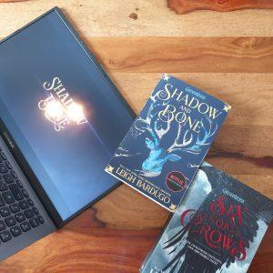 Shadow and Bone und Six of Crows Buchcover